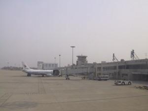 국제공항 같지 않은 허름한 텐진 국제공항