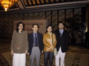 행사에 초청된 이탈리아, 일본 기자와 함께