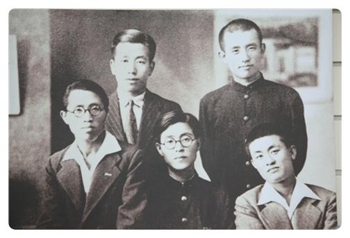 일본 릿교대 1학년 재학시절, 1학년 여름방학 때 귀향해서.